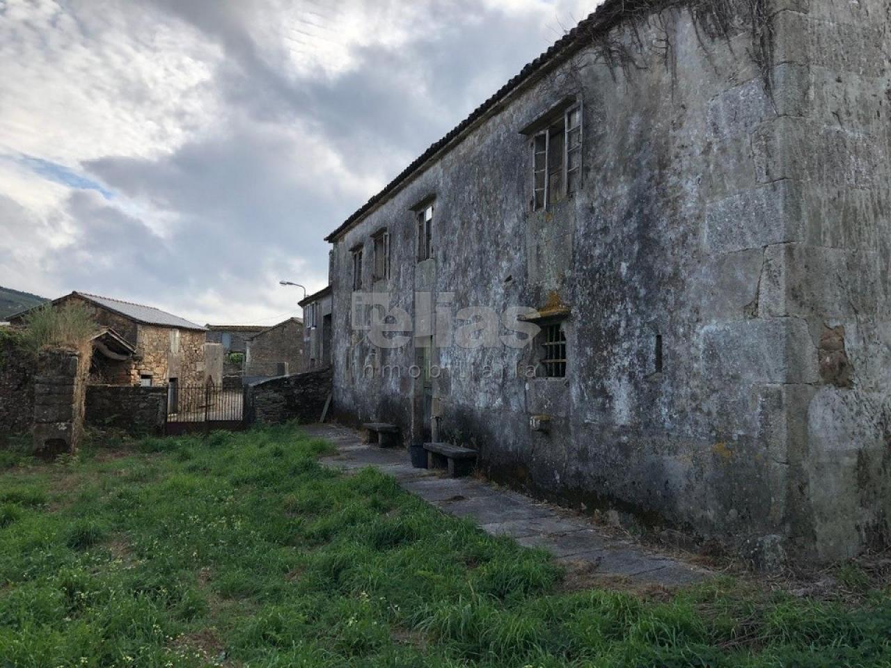 Casa en venta en Vimianzo – C000142