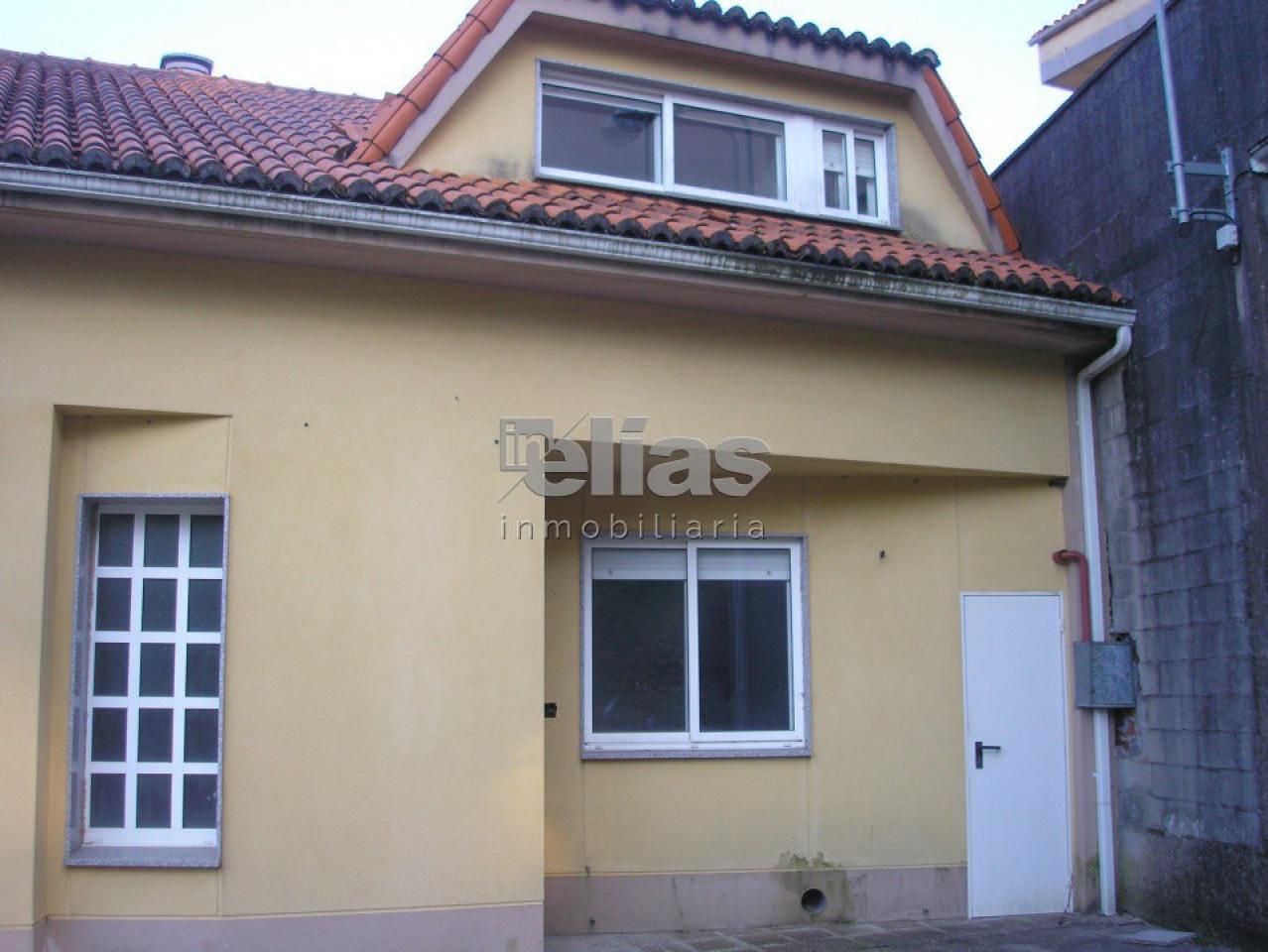 Casa en venta en Baio – C000080