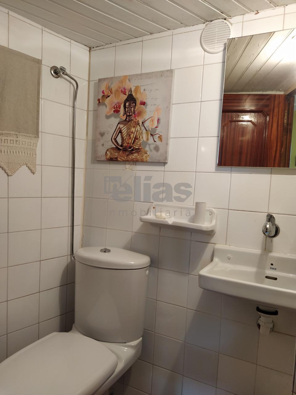 Casa en alquiler en Baio – C000513