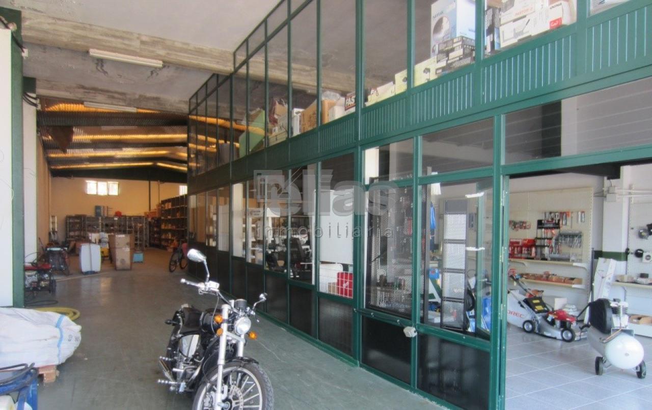 Local en alquiler en baio – L000087