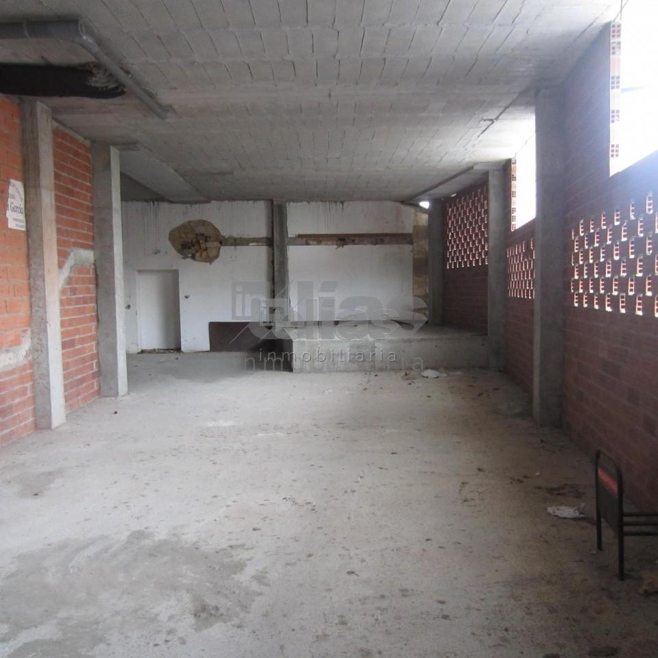Local en alquiler en Ponteceso – L000081