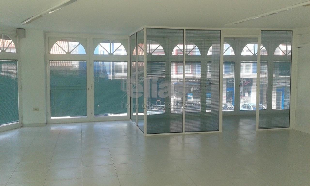 Local en alquiler en Baio – L000075