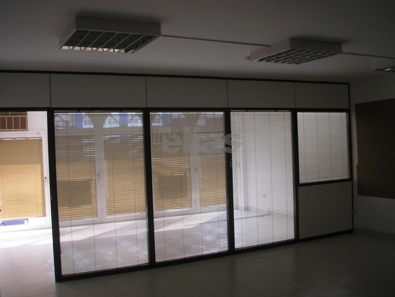 Local en venta en Baio – L000063