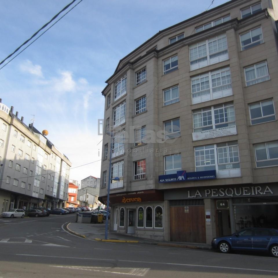 Local en alquiler en Ponteceso – L000061