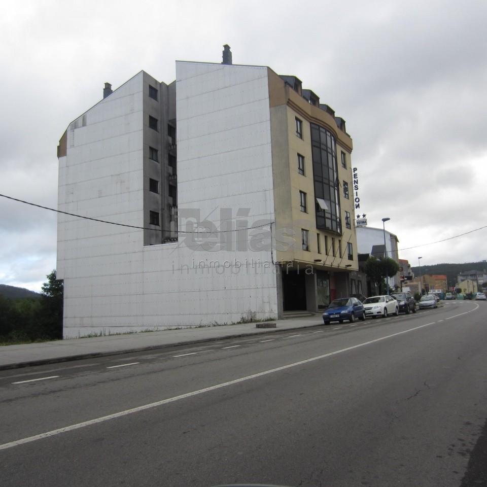 Local en alquiler en Ponteceso – L000056