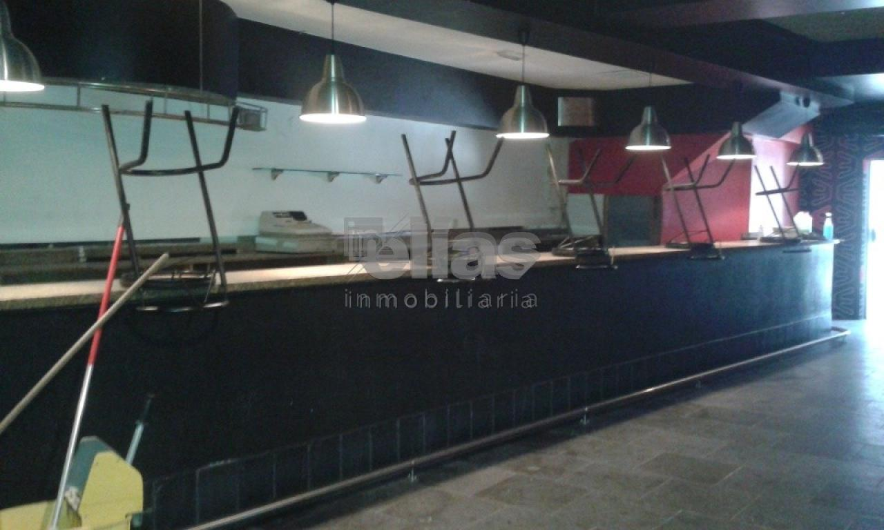 Local en alquiler en Ponteceso – L000048