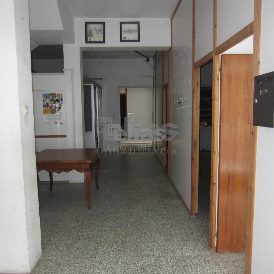 Local en alquiler en Corme – L000047
