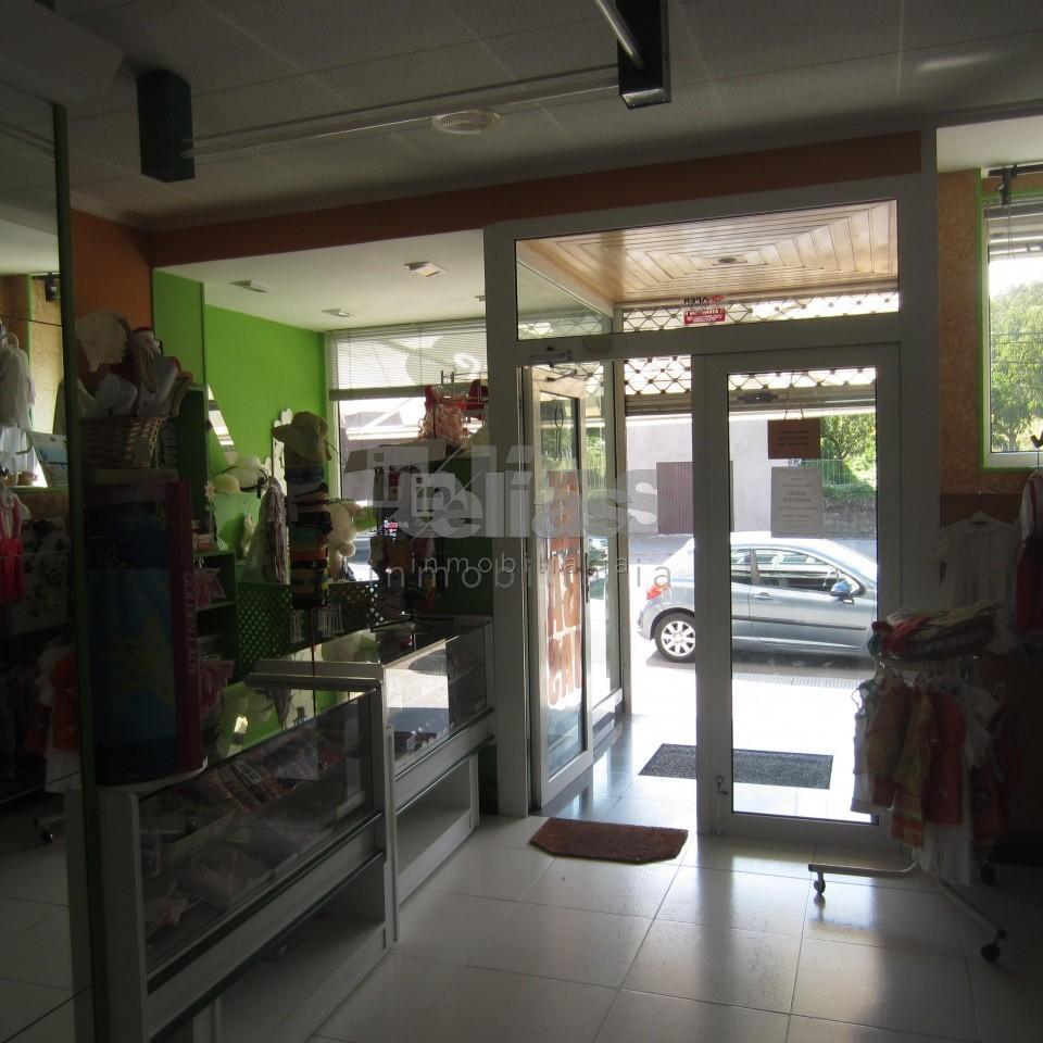 Local en alquiler en Ponteceso – L000033