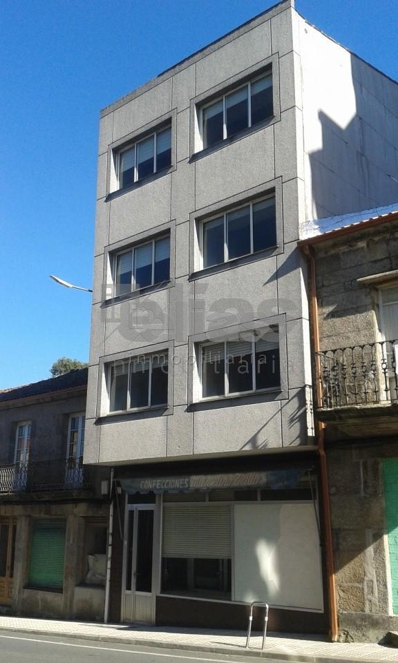 Local en venta en Vimianzo – L000026