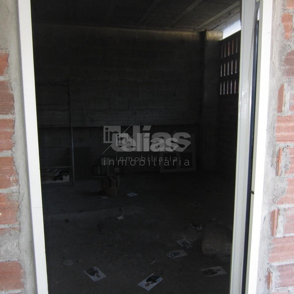 Local en alquiler en Vimianzo – L000013
