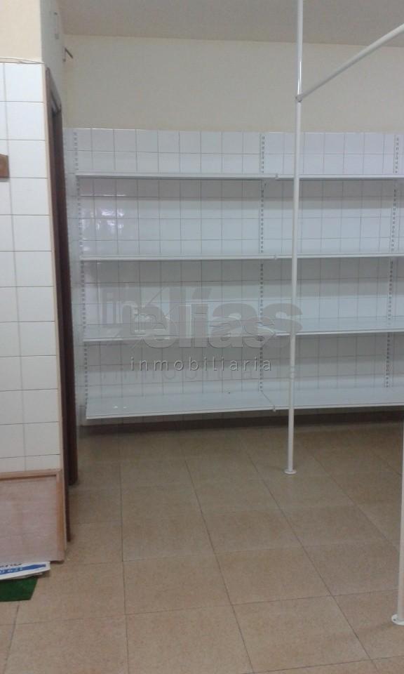Local en alquiler en Baio – L000055