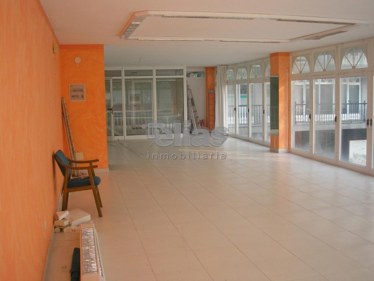 Local en alquiler en Baio – L000513