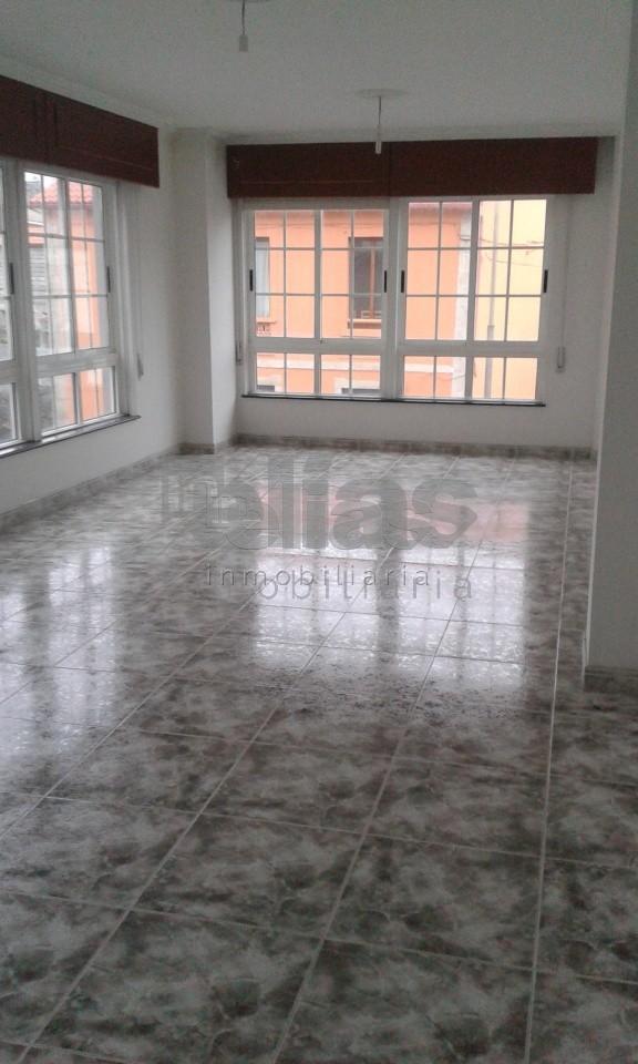 Local en alquiler en Baio – L000514