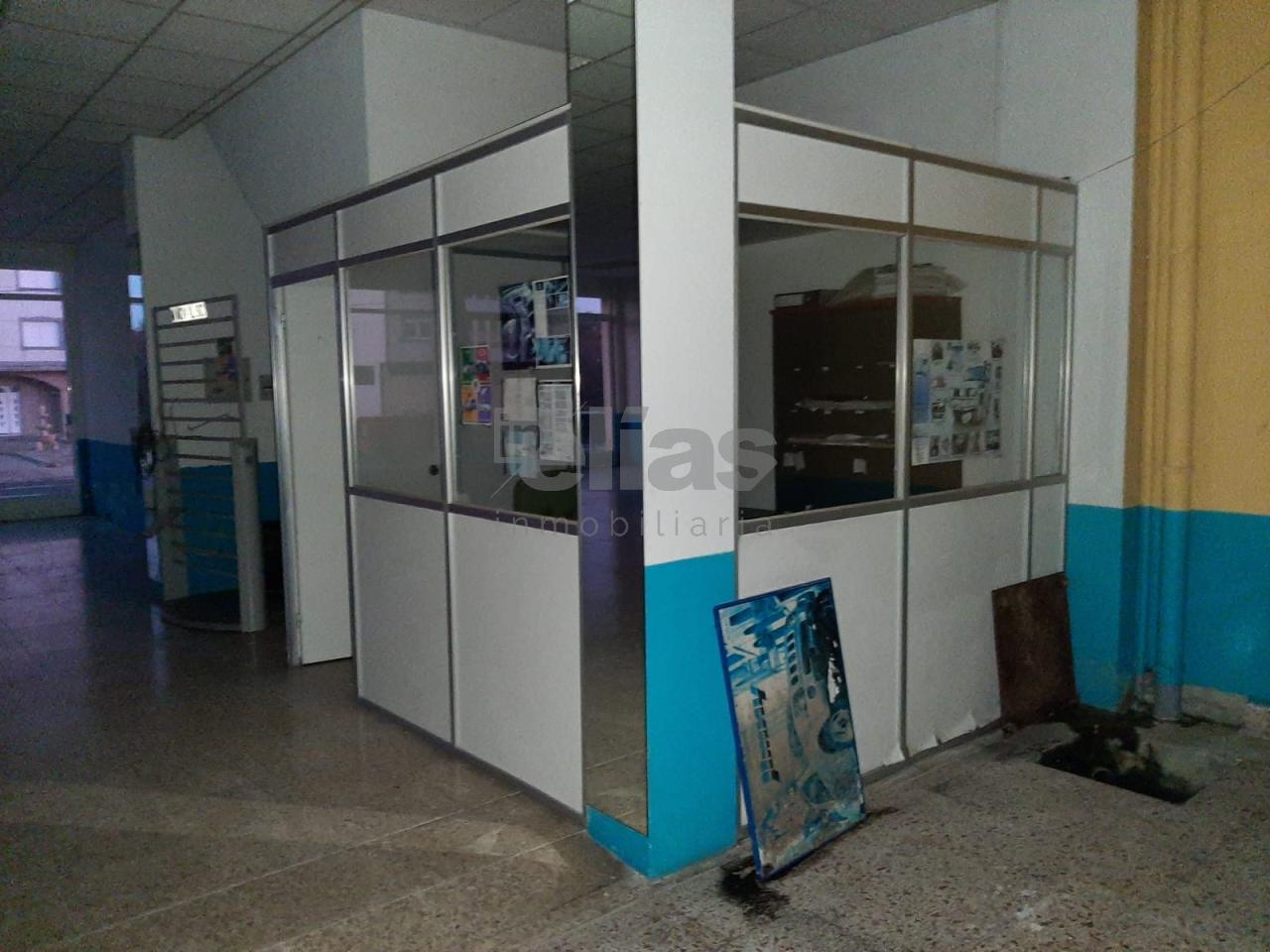 Local en alquiler en Baio – L000506