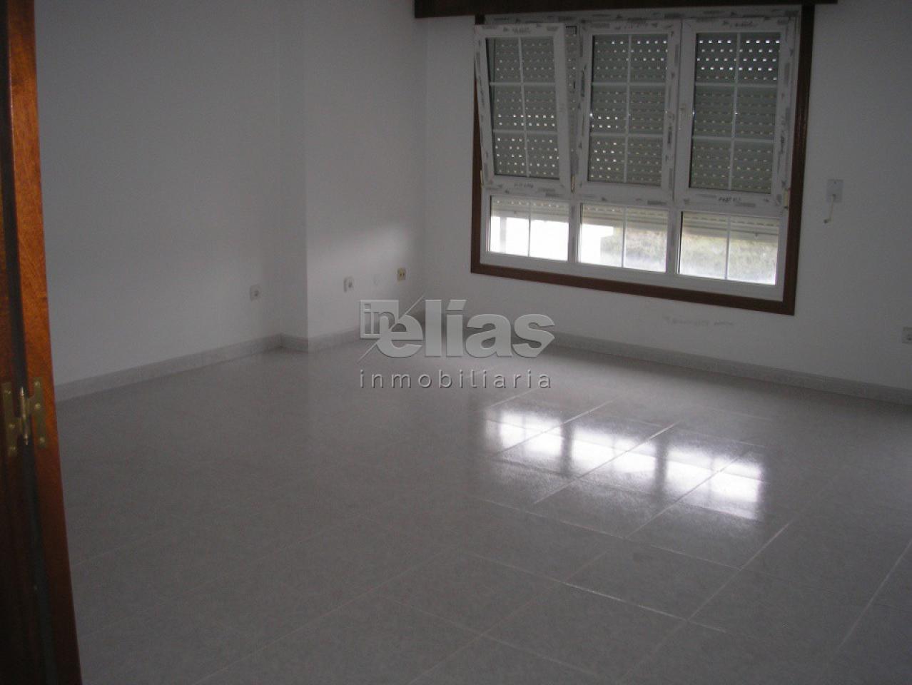 Piso en venta en Baio – P000224