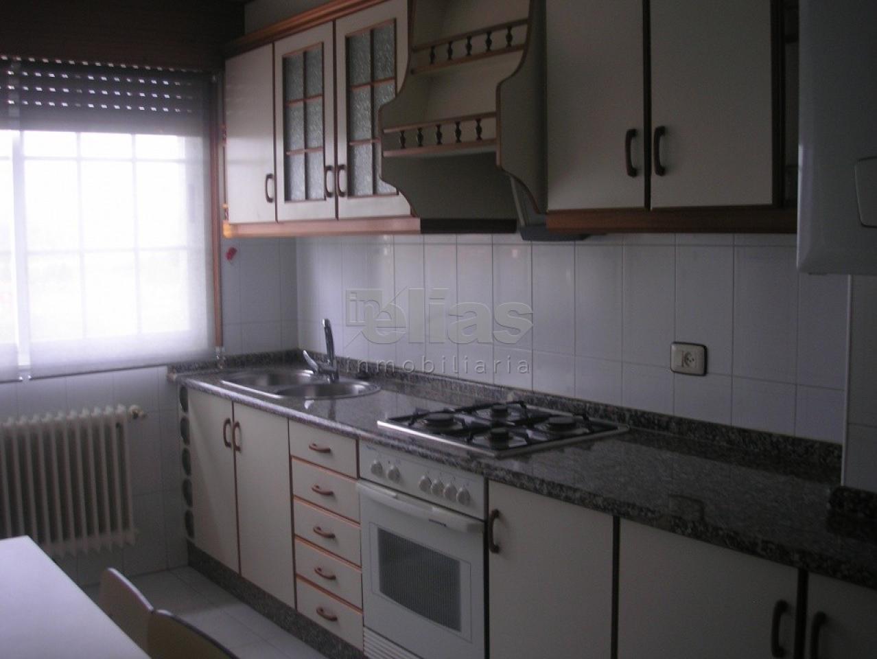 Piso en venta en Baio – P000036